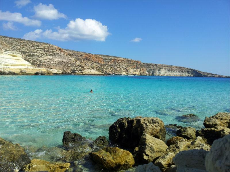 Affitto case vacanze appartamenti ville in sicilia for Case lampedusa